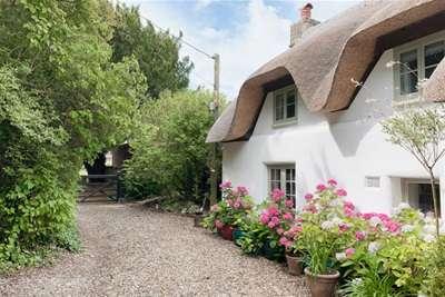 3 Bedrooms Cottage House for rent in Masseys Lane, East Boldre