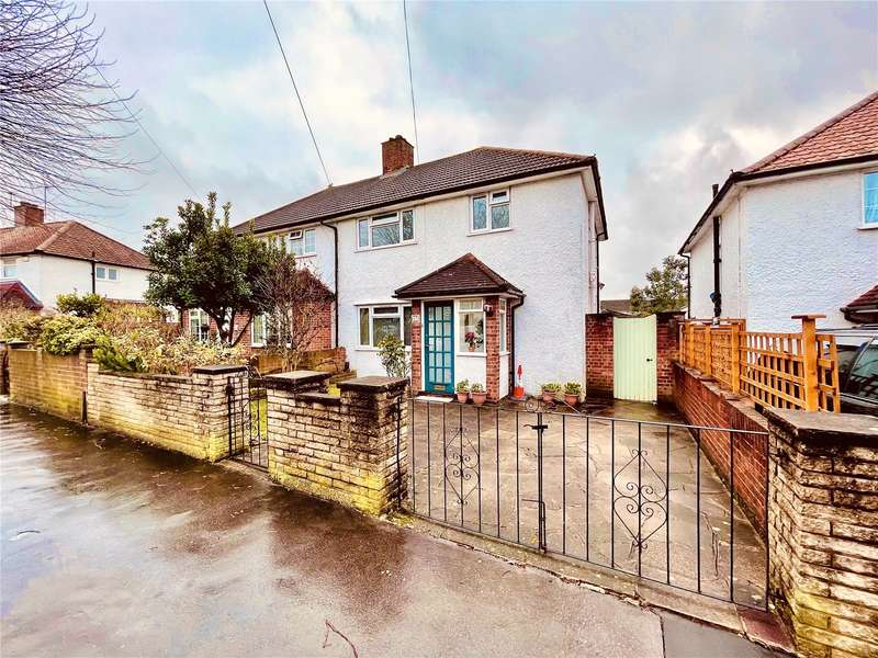 3 Bedrooms Semi Detached House for sale in Crowley Crescent, Croydon