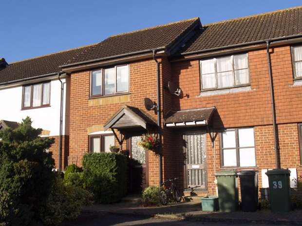 1 Bedroom Terraced House for rent in Godwin Close, West Ewell
