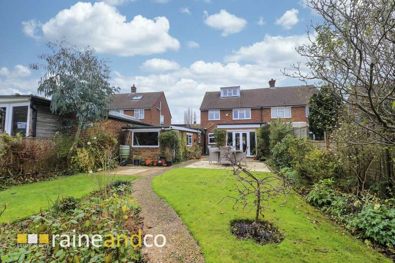 3 Bedrooms Semi Detached House for sale in Skimpans Close, Welham Green, AL9