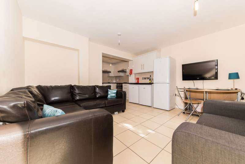 6 Bedrooms House for rent in Shipman Avenue, Canterbury