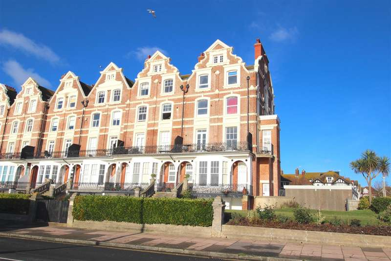 2 Bedrooms Apartment Flat for rent in Stonehaven Court, Knole Road, Bexhill-On-Sea