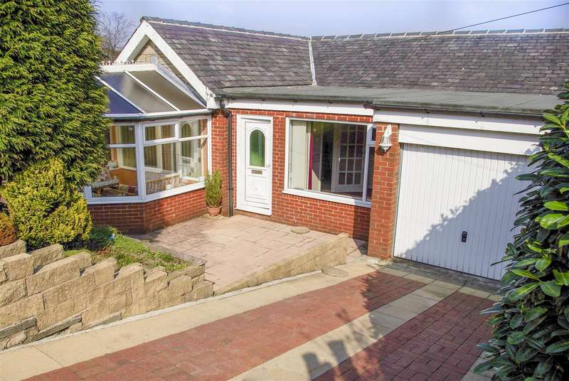 3 Bedrooms Detached Bungalow for sale in Hillside Crescent, Weir, Bacup, Rossendale