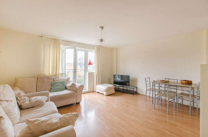 2 Bedrooms Flat for rent in John Penn Street, Deptford, SE13