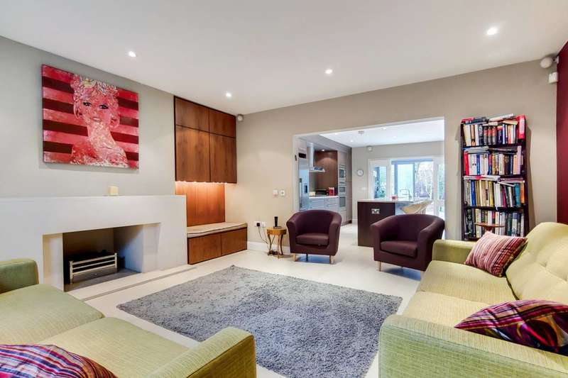 4 Bedrooms Flat for sale in Harley Road, Primrose Hill, NW3