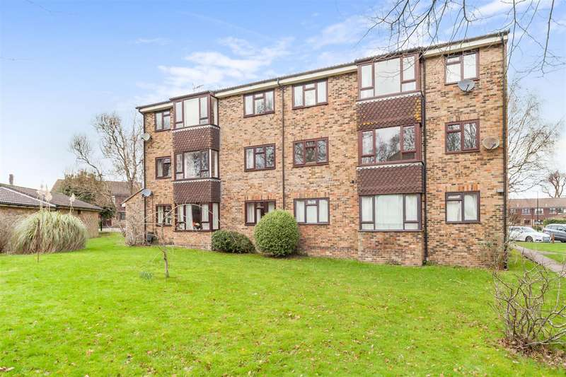 2 Bedrooms Flat for sale in Humphrey Lodge, Kings Way, Burgess Hill