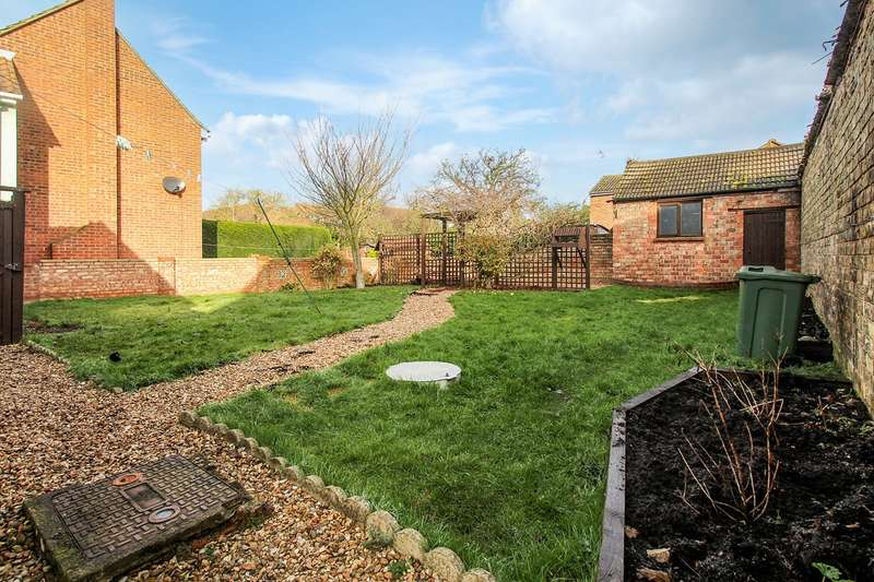 2 Bedrooms Terraced House for sale in High Street, Houghton Conquest, Bedford, MK45