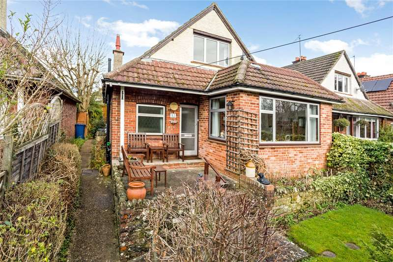 3 Bedrooms Detached House for sale in Critchmere Lane, Haslemere, Surrey, GU27