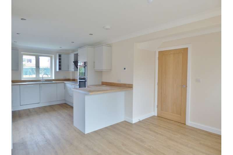 4 Bedrooms Detached House for sale in Orchard Way, Cowbit, Spalding