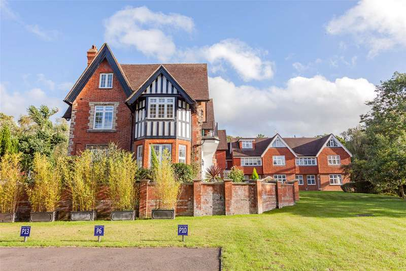 3 Bedrooms House for sale in Forest Lodge, Westerham Road, London, BR2