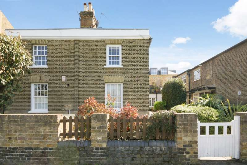 2 Bedrooms Maisonette Flat for sale in Commondale, Putney, SW15