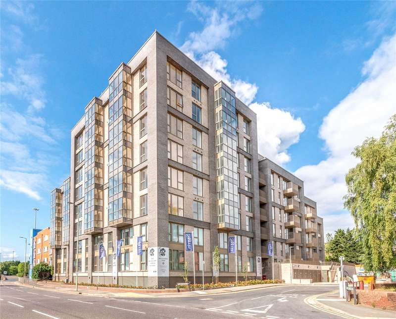 3 Bedrooms Apartment Flat for sale in Orchid Court, 1 West Street, Watford, Hertfordshire, WD17
