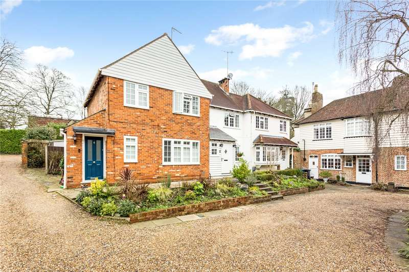 3 Bedrooms Terraced House for sale in Heath Farm Court, Grove Mill Lane, Watford, Hertfordshire, WD17
