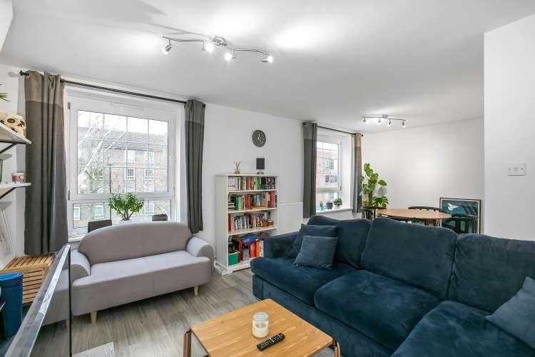 3 Bedrooms Flat for sale in Frendsbury Road Brockley SE4