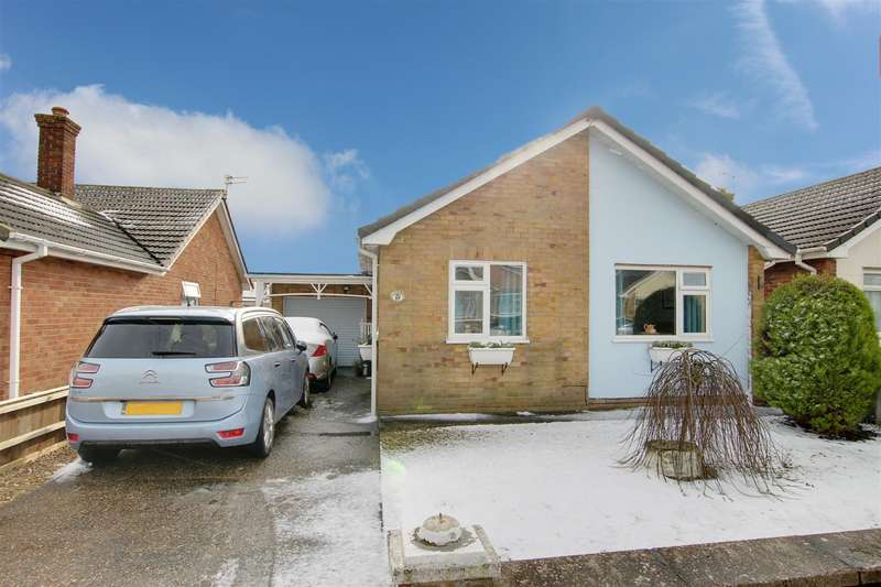 2 Bedrooms Detached Bungalow for sale in Crown Avenue, Chapel St Leonards