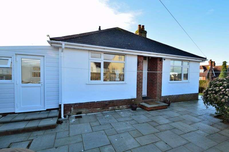 2 Bedrooms Property for sale in Totland Bay