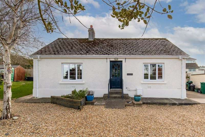 2 Bedrooms Detached Bungalow for sale in Parc Y Shwt, Fishguard