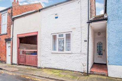 2 Bedrooms End Of Terrace House for sale in Witham Street, Boston, Lincolnshire, England