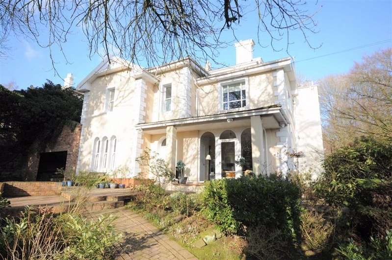 6 Bedrooms Detached House for sale in The Villas, Stoke-on-Trent