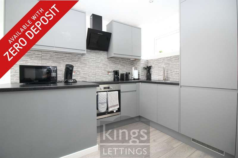 2 Bedrooms Flat for rent in Burford Mews, Hoddesdon