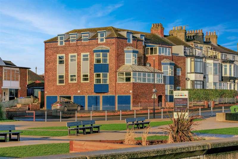 2 Bedrooms Apartment Flat for sale in Apt 3, Promenade View, Marine Drive, Hornsea