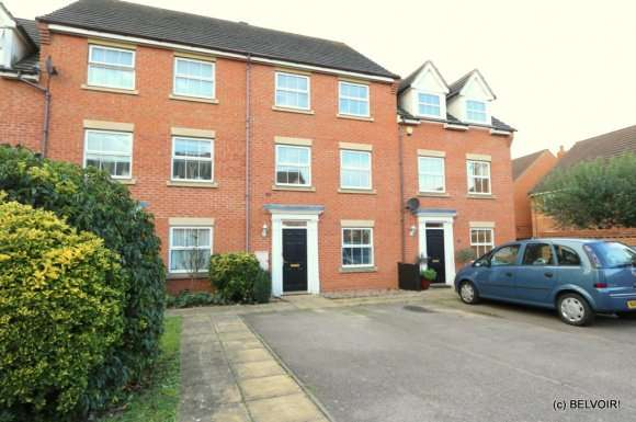 4 Bedrooms Property for sale in Croyland Drive, Bedford