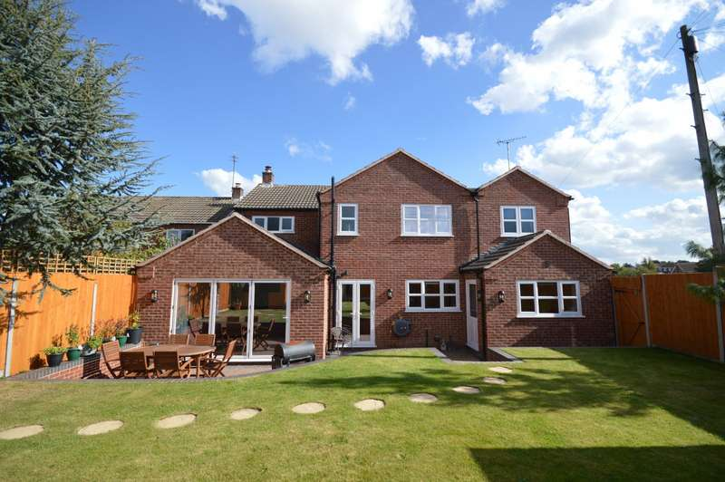 4 Bedrooms Detached House for sale in Sandcliffe Road, Midway, Swadlincote, Derbyshire, DE11
