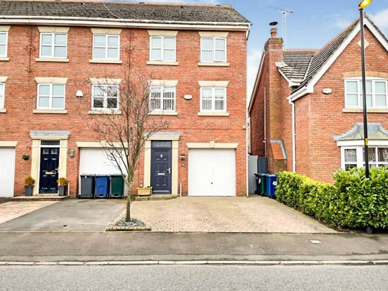 3 Bedrooms Terraced House for sale in Delph Drive, Ormskirk, Lancashire, L40