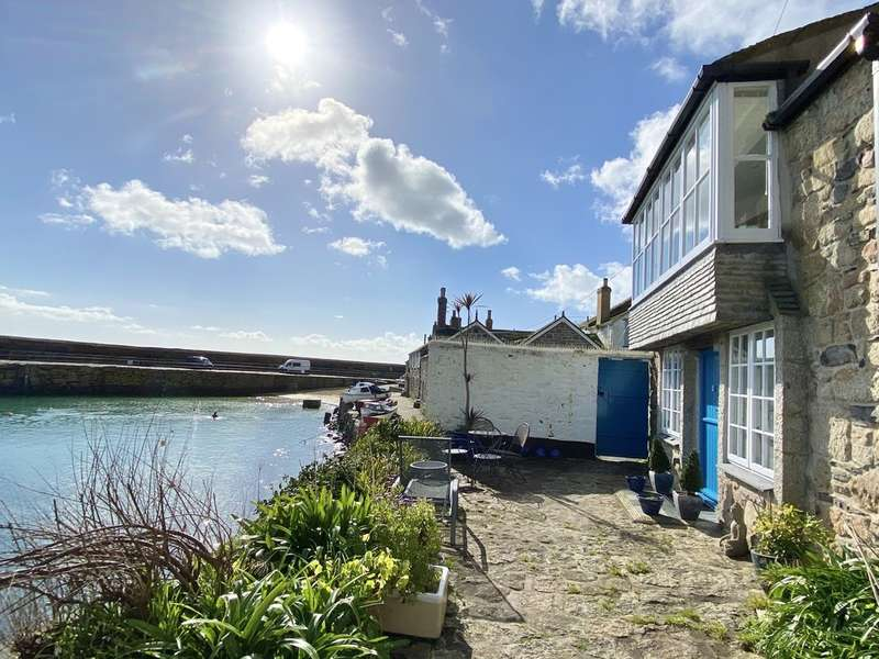 2 Bedrooms End Of Terrace House for sale in Fishermans Square, Mousehole