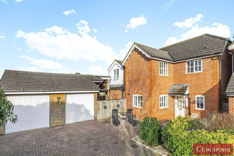 4 Bedrooms Detached House for sale in Sheep Walk, Shepperton, TW17