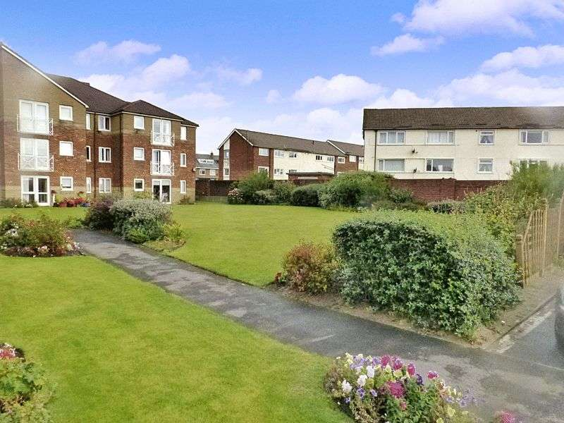2 Bedrooms Property for sale in Lemon Tree Court, Lytham St. Annes, FY8 2SU