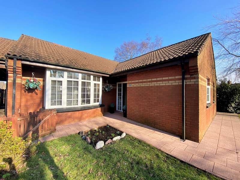 4 Bedrooms Bungalow for sale in Inch View, Hazelbank, Cityside, BT48
