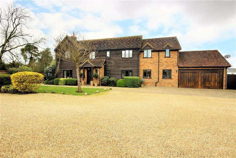 4 Bedrooms Detached House for sale in Lysley Place, Brookmans Park, Hertfordshire