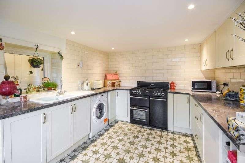 3 Bedrooms Property for sale in Silver Street, Besthorpe NR17