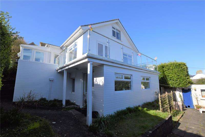 5 Bedrooms Detached House for sale in Tywarnhayle Road, Perranporth, TR6
