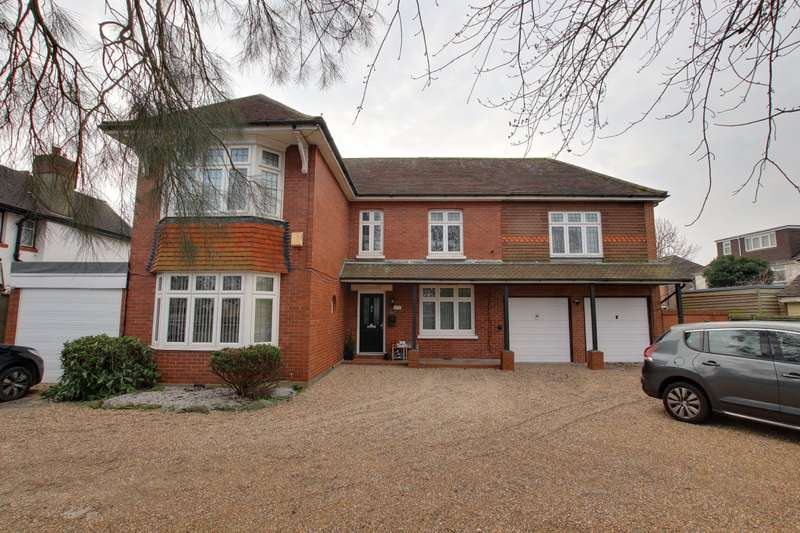 5 Bedrooms Detached House for sale in Upper Brighton Road, Worthing, BN14
