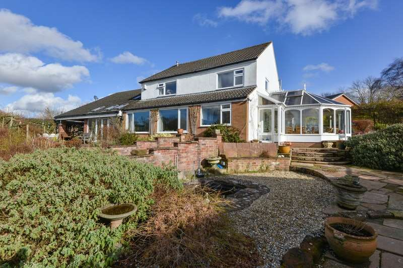 4 Bedrooms Detached House for sale in Scotby Road, Carlisle, Cumbria, CA4