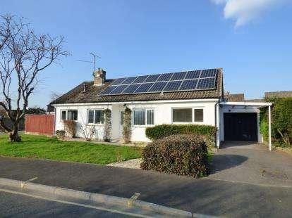 3 Bedrooms Bungalow for sale in Martock, Somerset, Uk
