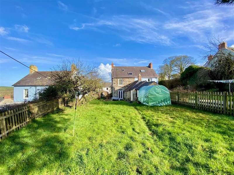3 Bedrooms Semi Detached House for sale in Longdown Bank, ST DOGMAELS, Pembrokeshire