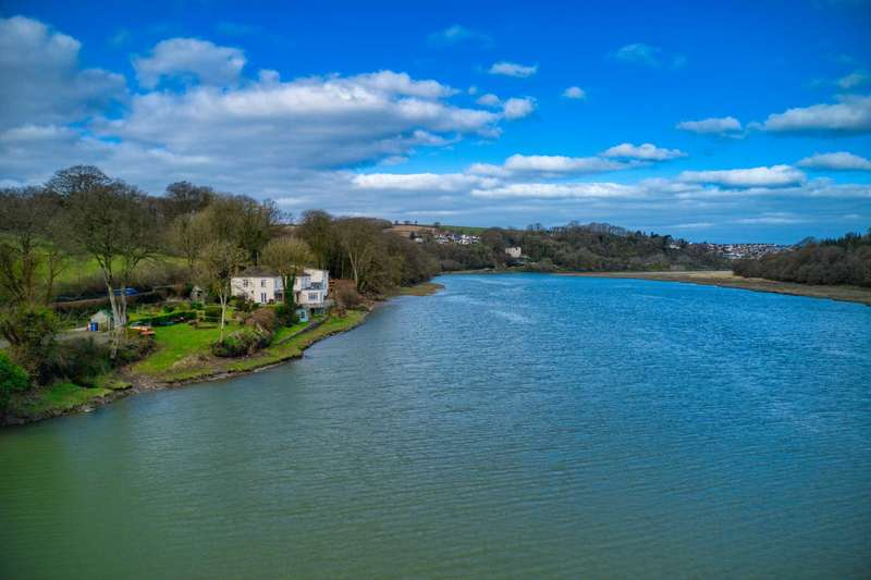 5 Bedrooms Detached House for sale in Bideford