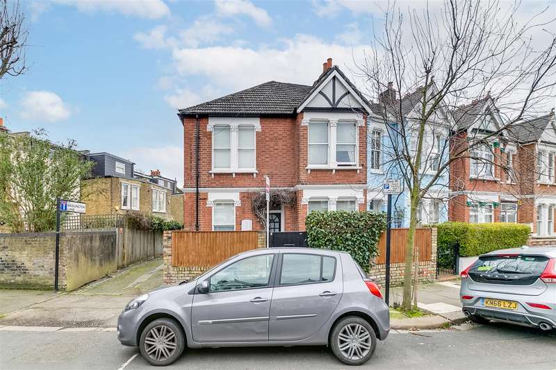 3 Bedrooms Terraced House for sale in Weston Road, London W4