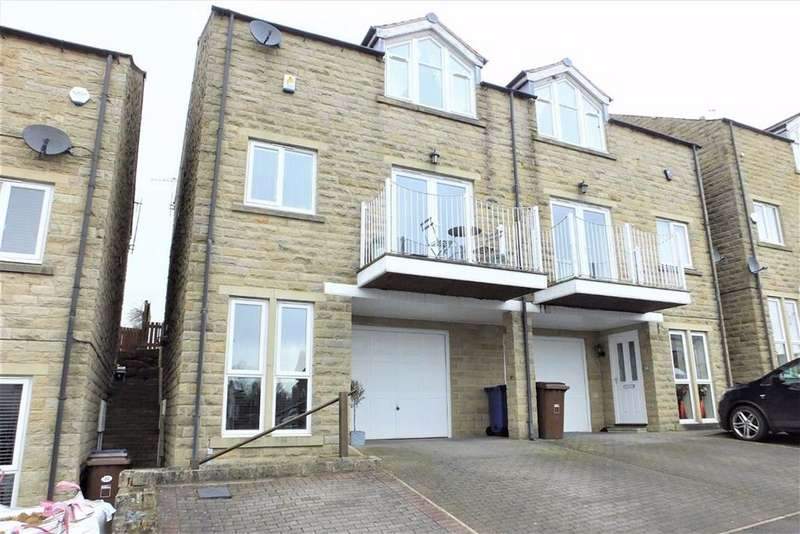 3 Bedrooms Town House for sale in Wycoller View, Laneshawbridge, Lancashire, BB8