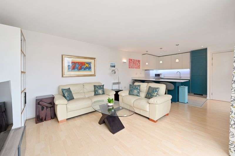 2 Bedrooms Property for sale in Narrow Street, London, E14