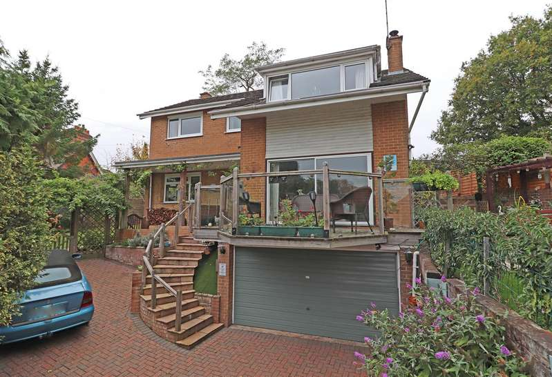 4 Bedrooms Detached House for sale in North Station Approach, South Nutfield, Redhill