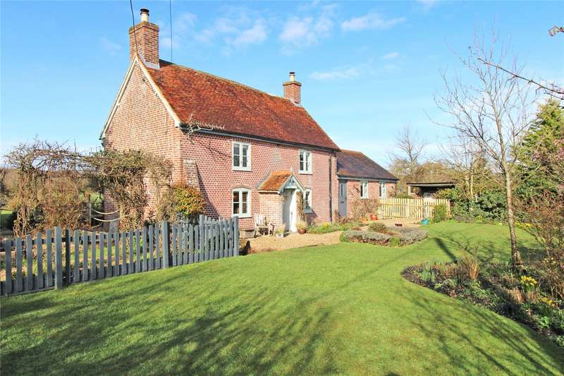 3 Bedrooms Detached House for sale in Burley Road, Bockhampton, Christchurch, Dorset, BH23