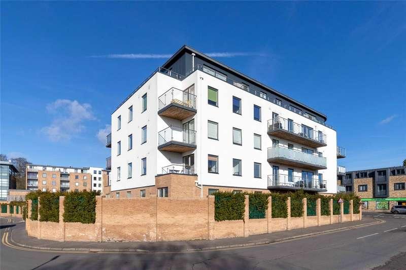 2 Bedrooms Apartment Flat for rent in Grosvenor Mansions, Sullivan Road, Camberley, Surrey, GU15
