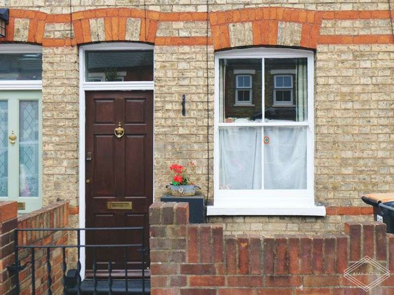 2 Bedrooms Property for sale in Palmerston Street, Bedford