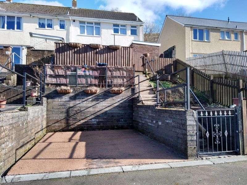 3 Bedrooms Property for sale in East Pentwyn, Abertillery