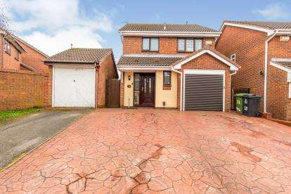 3 Bedrooms Detached House for sale in Albert Clarke Drive, New Invention, Willenhall, West Midlands