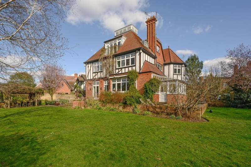 5 Bedrooms Detached House for sale in St George's Road, Twickenham